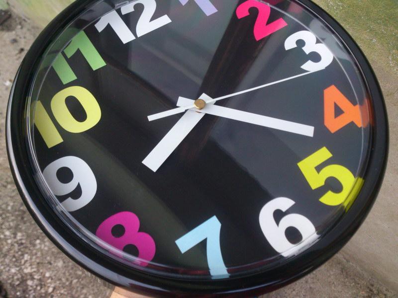 Настенные часы Юкке (Jycke) из Ikea